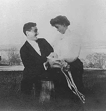 Eleanor and Franklin in Newburgh, New York, 1905